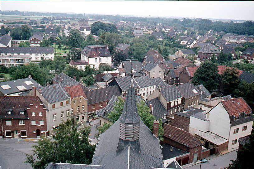 Dorf von der Kirche aus in Richtung Osten 1968, Unten links Hindenburgstr/Steinstr